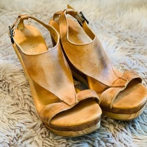 BedStü Handcrafted Wedges